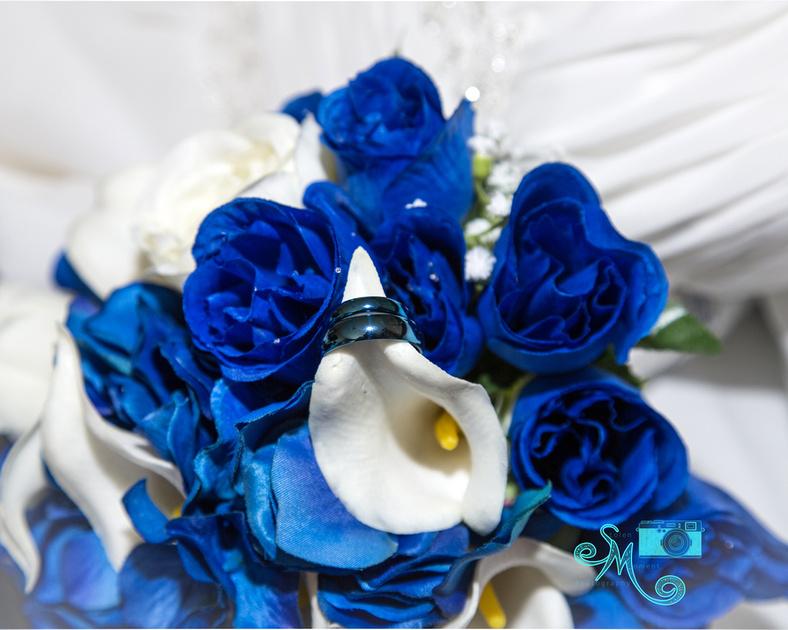 rings in bouquet