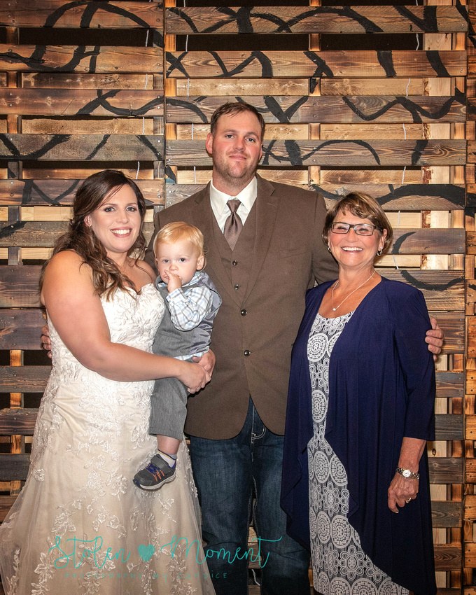 a chilly fall country wedding in Warburg, Alberta