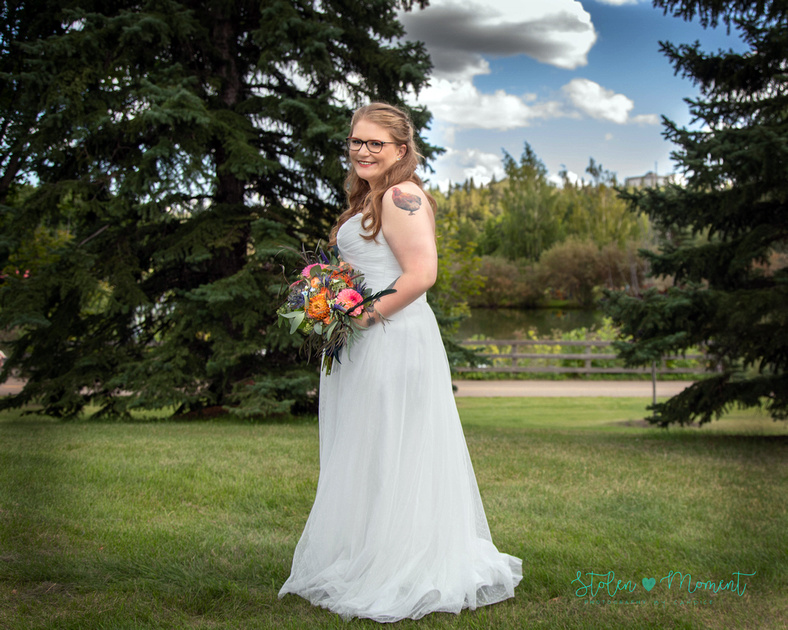 Wedding party photography at Rundle Park in Edmonton, Alberta