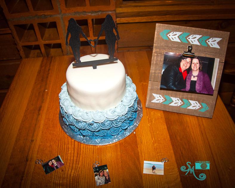 a beautiful blue toned wedding cake